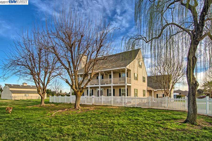 獨棟家庭住宅 為 出售 在 3157 Denice Way Cottonwood, 加利福尼亞州 96022 美國