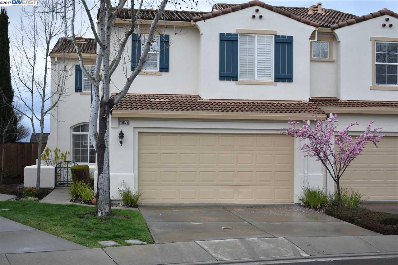 Townhouse for Sale at 19675 Buren Place Castro Valley, California 94552 United States