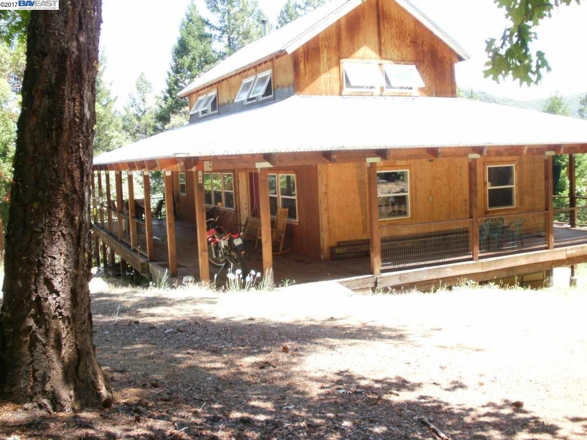 Частный односемейный дом для того Продажа на 20449 State Hwy 3 Douglas City, Калифорния 96024 Соединенные Штаты