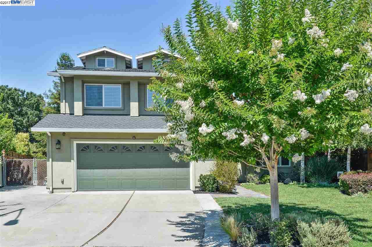 Maison unifamiliale pour l Vente à 7892 Turquoise Street Dublin, Californie 94568 États-Unis