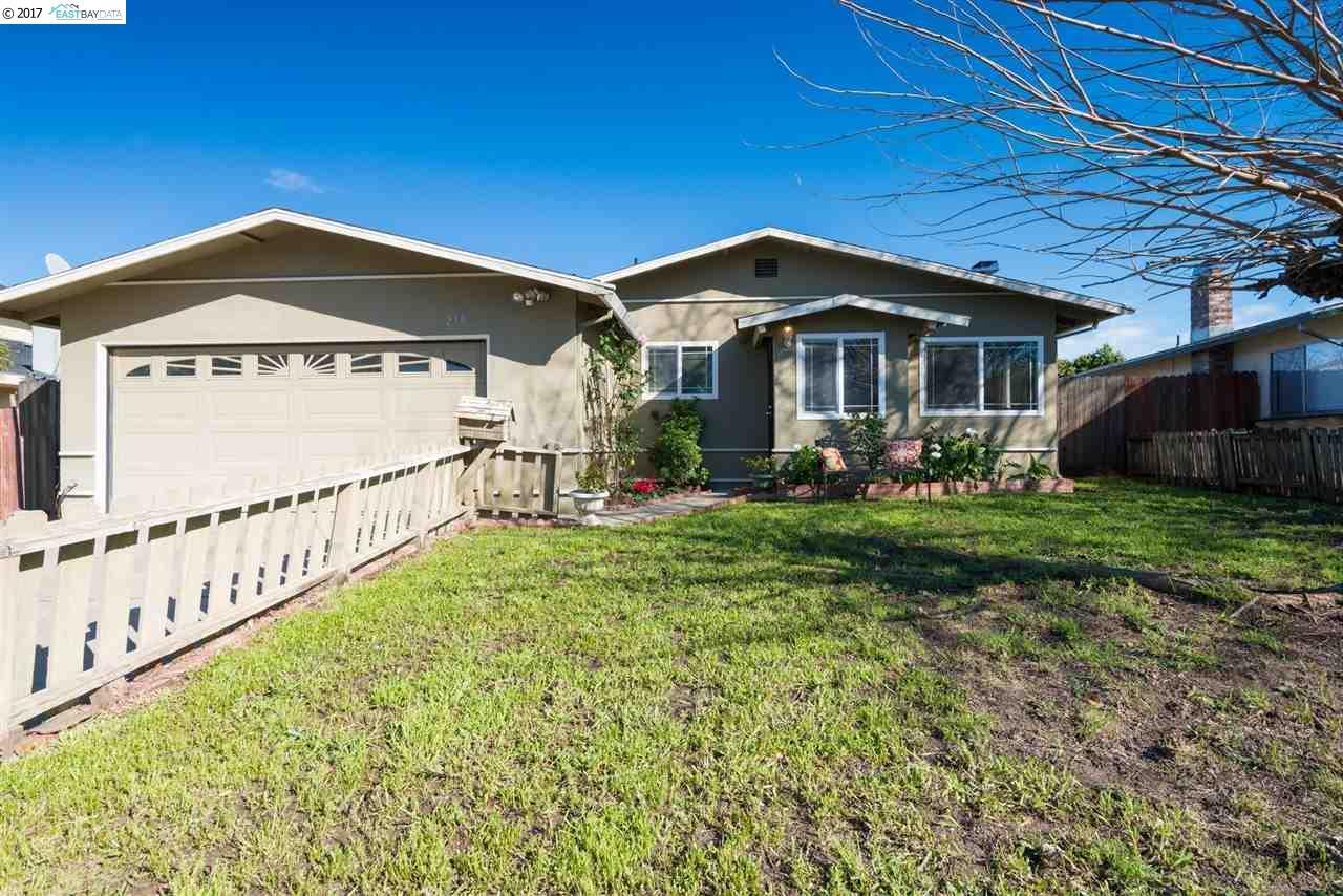 Maison unifamiliale pour l Vente à 233 San Bernardino Court Bay Point, Californie 94565 États-Unis