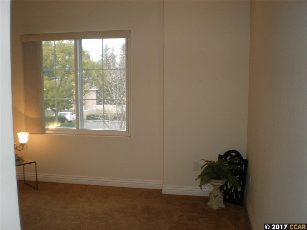 Additional photo for property listing at 1539 Geary Road 1539 Geary Road Walnut Creek, Калифорния 94597 Соединенные Штаты
