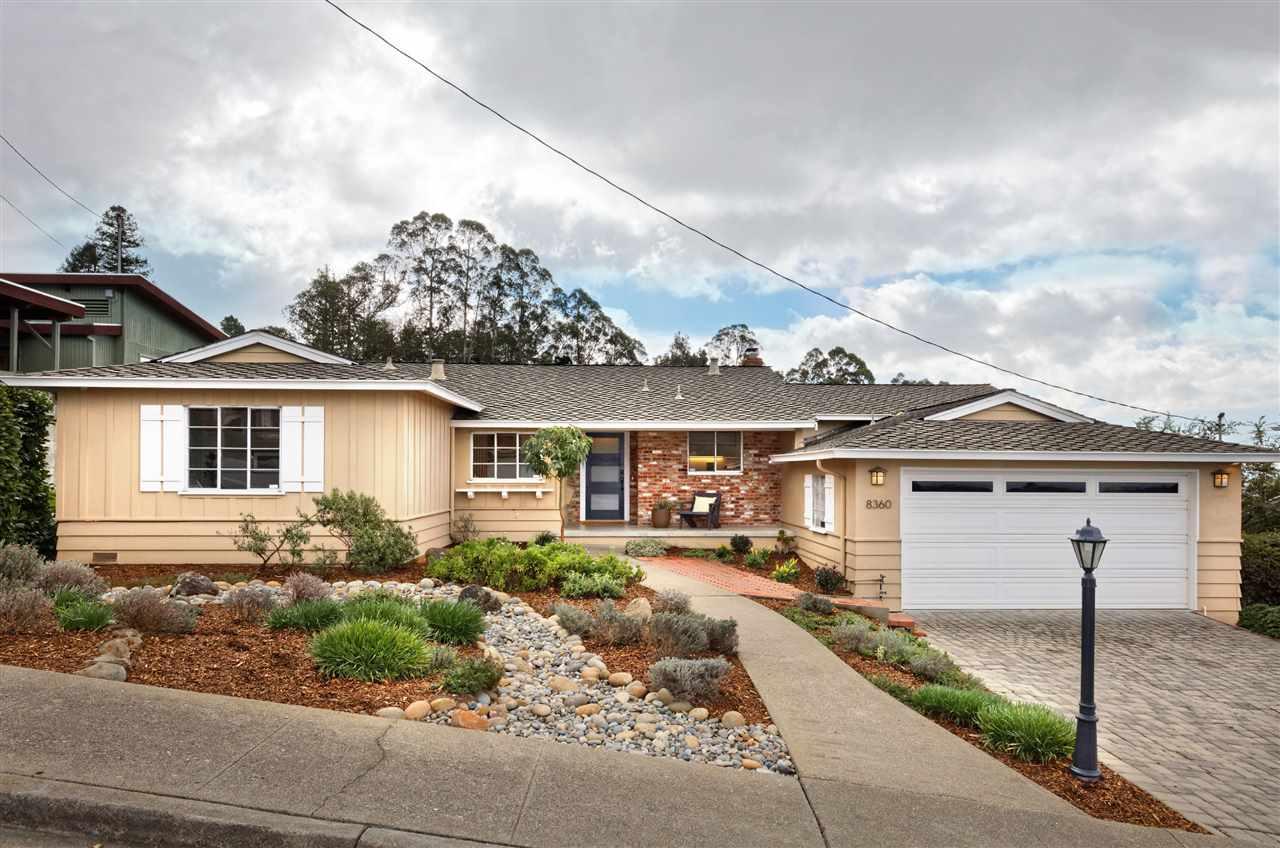 獨棟家庭住宅 為 出售 在 8360 Kent Drive El Cerrito, 加利福尼亞州 94530 美國