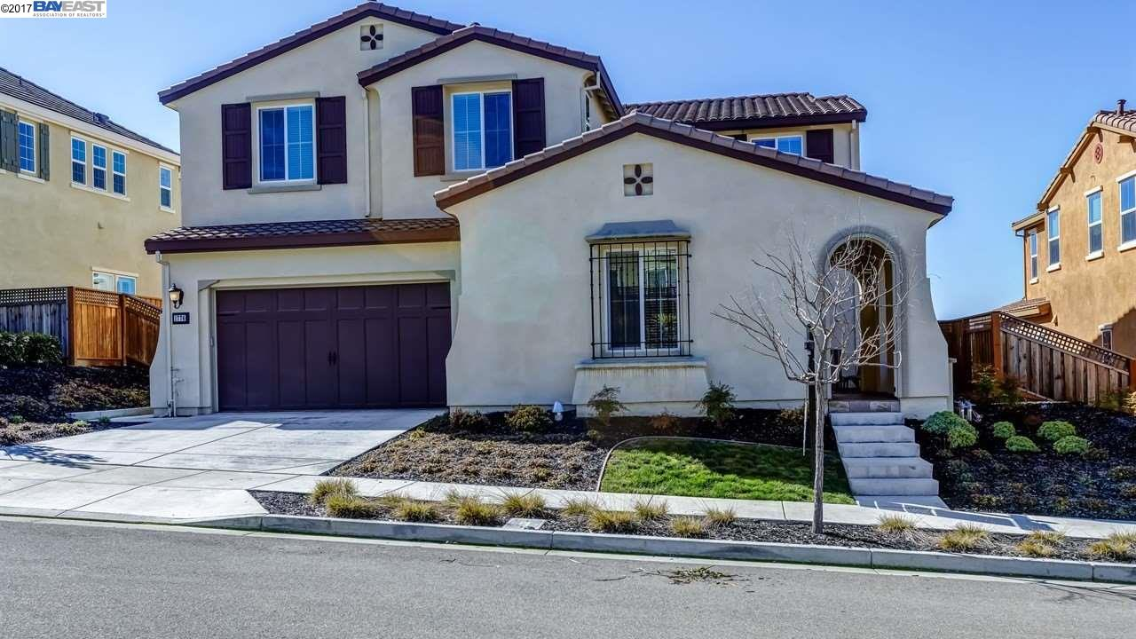 Maison unifamiliale pour l Vente à 1776 N Terracina Drive Dublin, Californie 94568 États-Unis