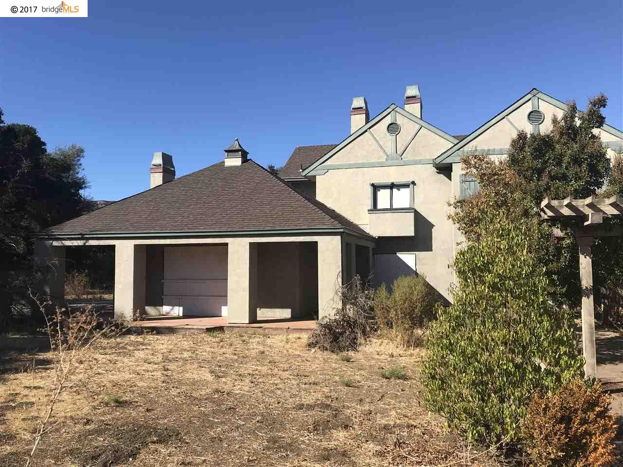 واحد منزل الأسرة للـ Sale في 1100 Russelmann Park Road 1100 Russelmann Park Road Clayton, California 94517 United States