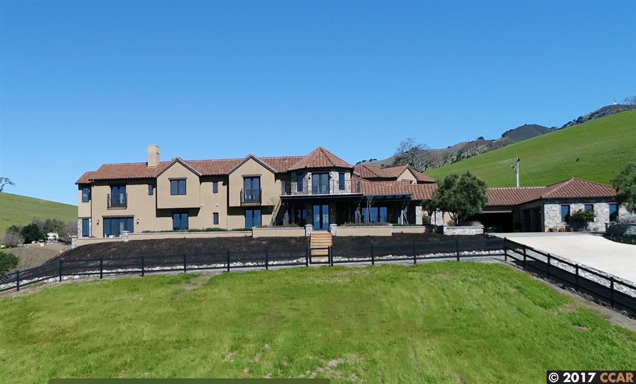 واحد منزل الأسرة للـ Sale في 7191 Johnston Road 7191 Johnston Road Danville, California 94588 United States
