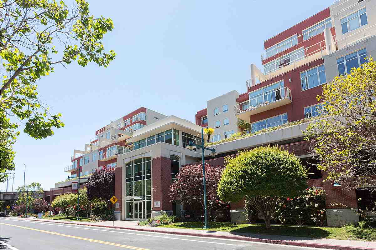 Buying or Selling EMERYVILLE Real Estate, MLS:40775470, Call The Gregori Group 800-981-3134