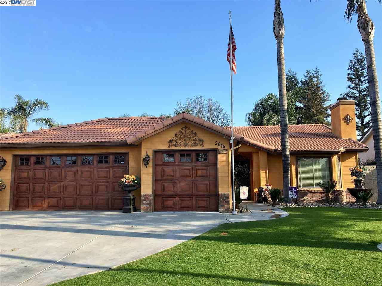 Maison unifamiliale pour l Vente à 5616 Spring Blossom Bakersfield, Californie 93313 États-Unis