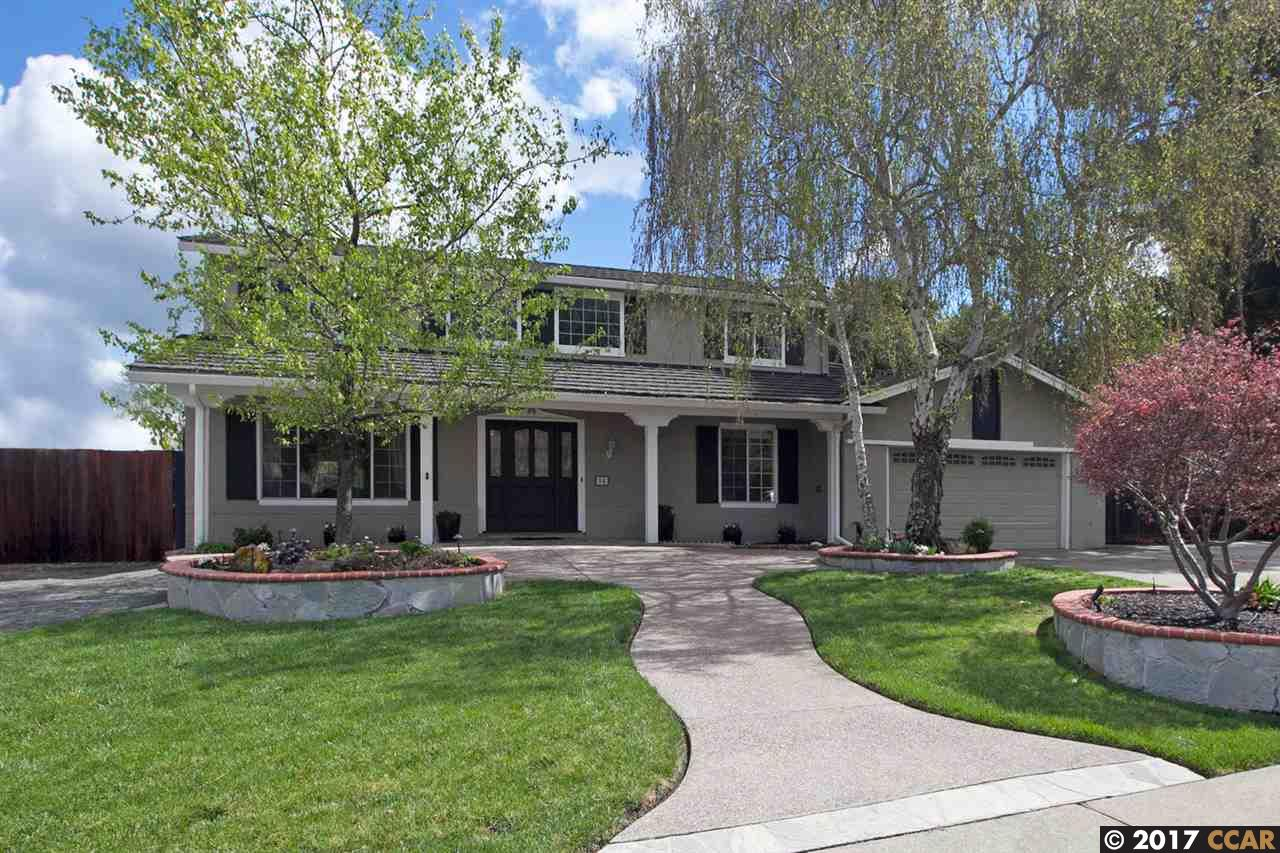 Maison unifamiliale pour l Vente à 94 Pioneer Court San Ramon, Californie 94583 États-Unis