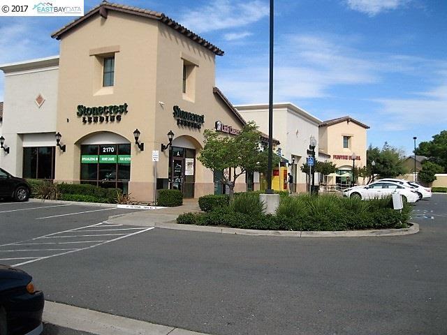 獨棟家庭住宅 為 出租 在 2170 Main Street 2170 Main Street Oakley, 加利福尼亞州 94561 美國