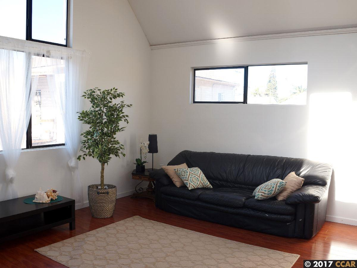 Additional photo for property listing at 2139 E 19Th Street  Oakland, Kalifornien 94606 Vereinigte Staaten