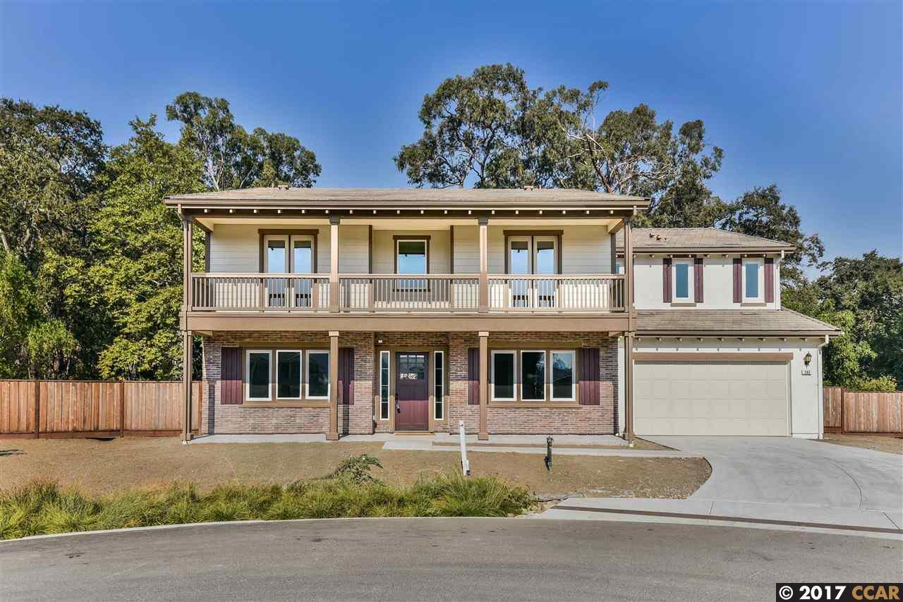 獨棟家庭住宅 為 出售 在 243 Buck Creek Court 243 Buck Creek Court Martinez, 加利福尼亞州 94553 美國