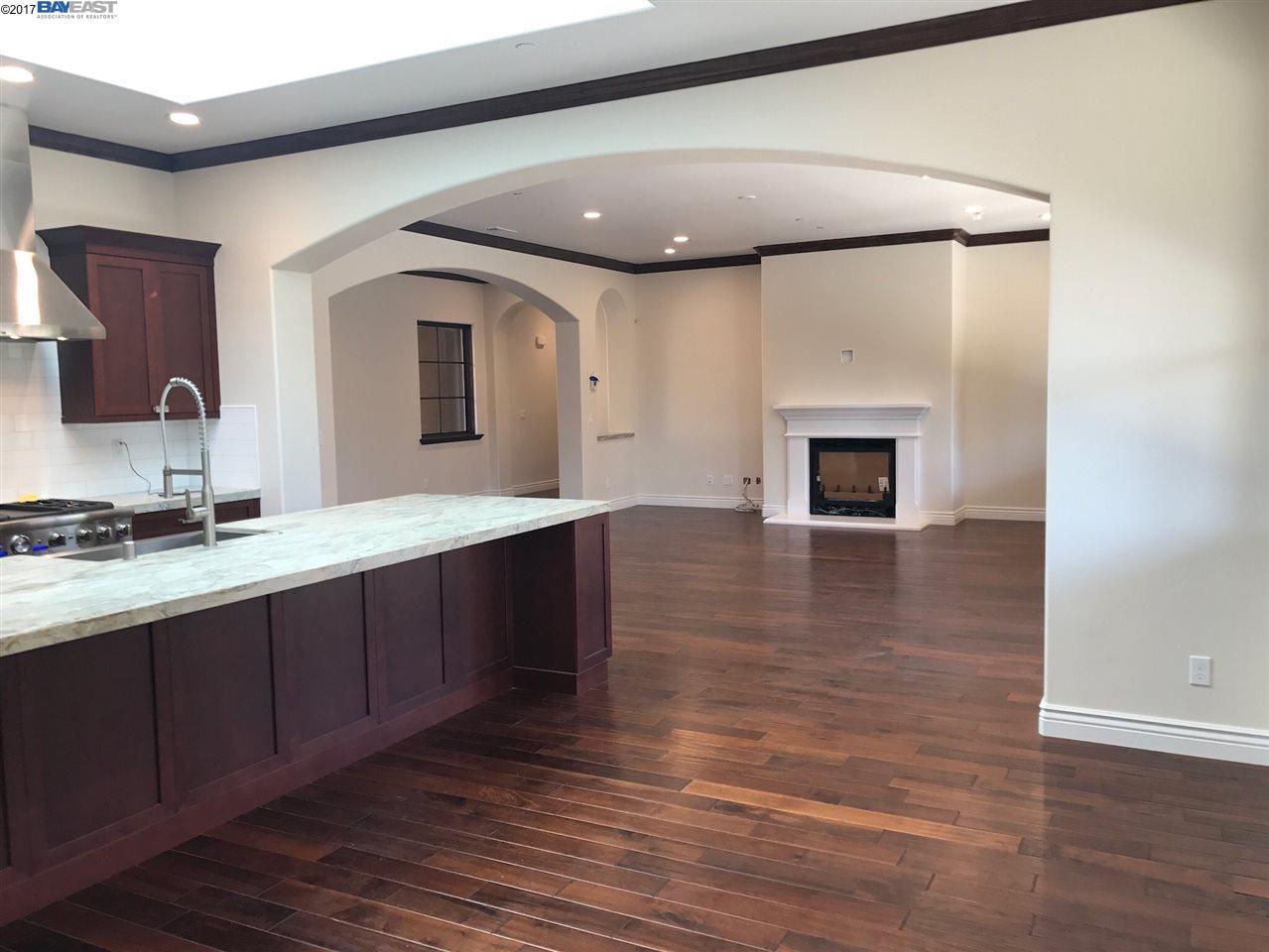 Additional photo for property listing at 23 Stonebrae Road  Hayward, California 94542 United States
