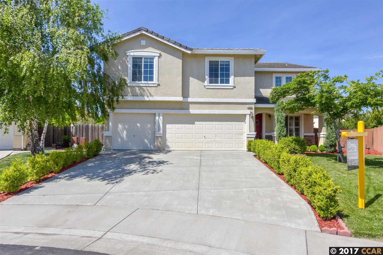 واحد منزل الأسرة للـ Sale في 1525 Peppertree Court West Sacramento, California 95691 United States