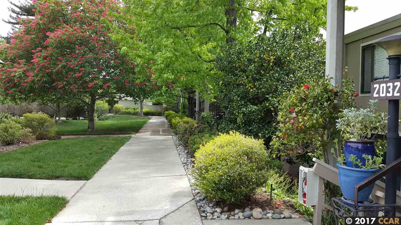 Additional photo for property listing at 2032 Golden Rain Road  Walnut Creek, Californie 94595 États-Unis