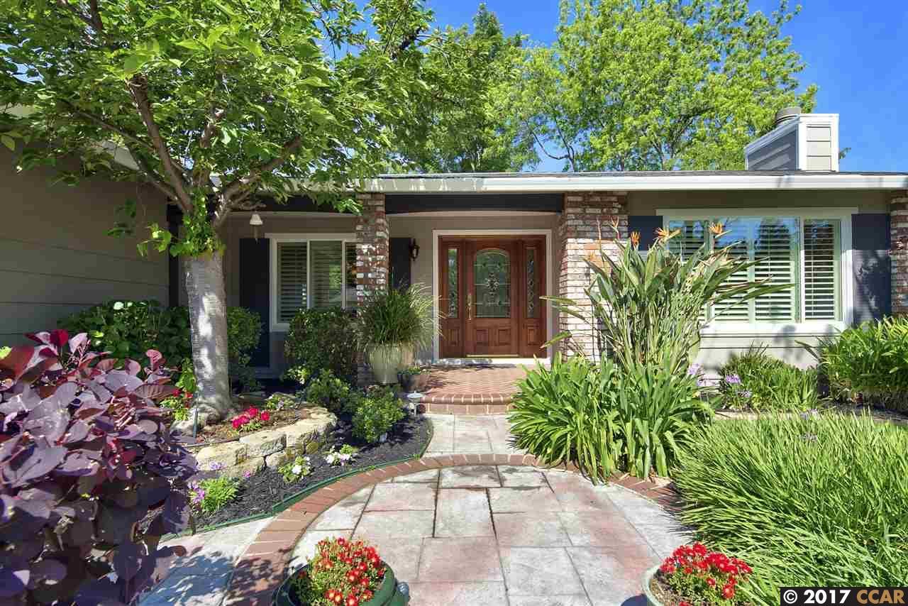 獨棟家庭住宅 為 出售 在 735 Buckingham Court Walnut Creek, 加利福尼亞州 94598 美國
