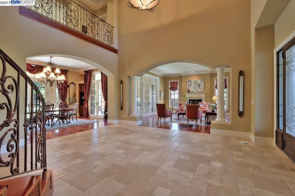 Einfamilienhaus für Verkauf beim 3757 Selvante Street Pleasanton, Kalifornien 94566 Vereinigte Staaten