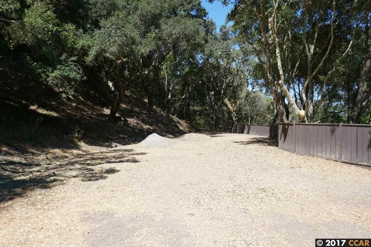 Additional photo for property listing at 42A Crestview Drive 42A Crestview Drive Orinda, Californie 94563 États-Unis