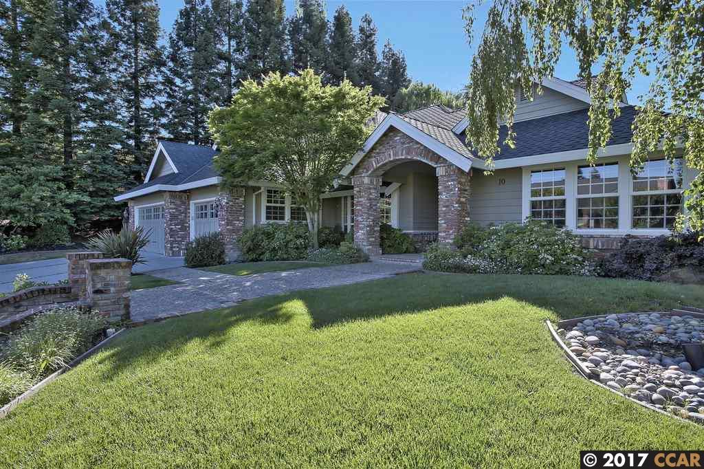 獨棟家庭住宅 為 出售 在 10 Crockett Drive Moraga, 加利福尼亞州 94556 美國