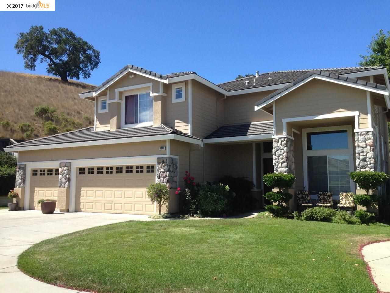 Additional photo for property listing at 8049 Kelok Way  Clayton, Kalifornien 94517 Vereinigte Staaten