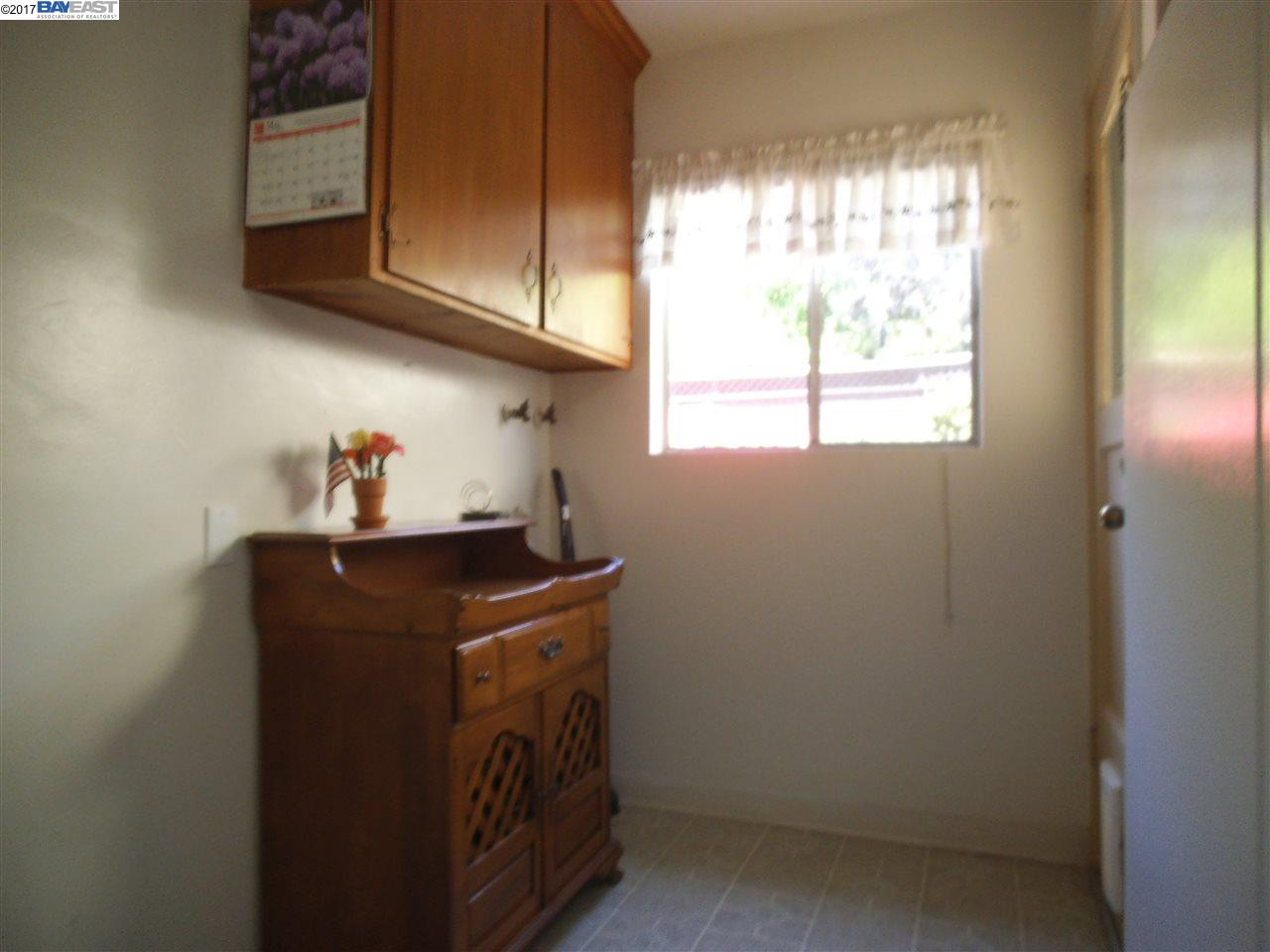 Additional photo for property listing at 17280 Los Banos Street  Hayward, California 94541 United States