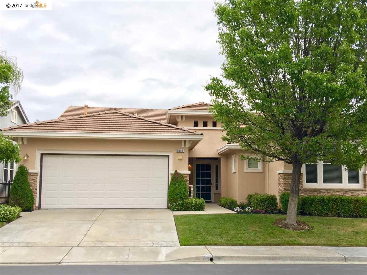 Casa Unifamiliar por un Venta en 1030 BISMARCK TERR Brentwood, California 94513 Estados Unidos