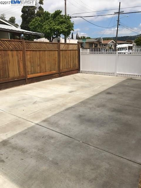 Additional photo for property listing at 1557 69Th Avenue  Oakland, California 94621 United States