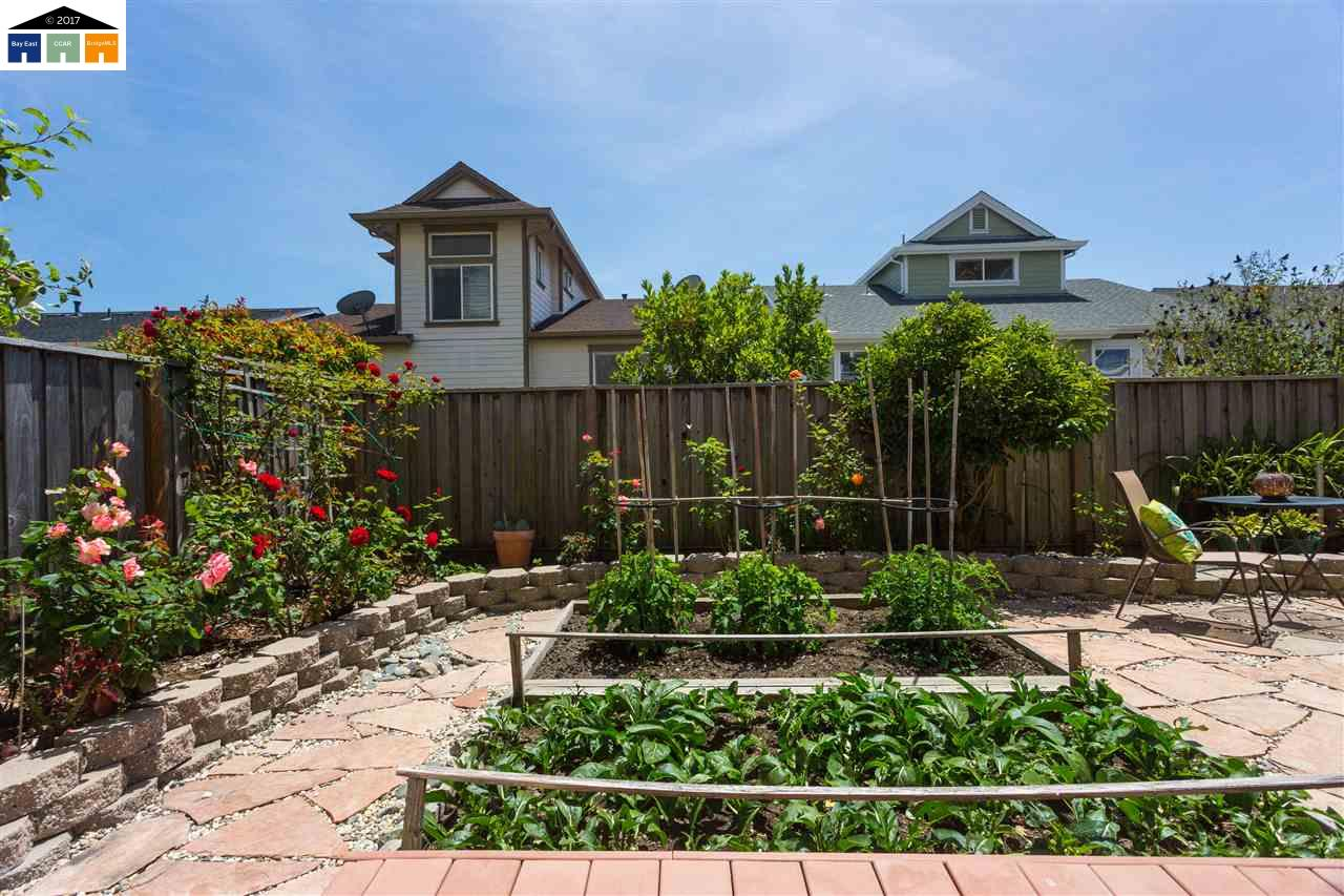 Additional photo for property listing at 208 Flagship Court  Point Richmond, California 94801 United States