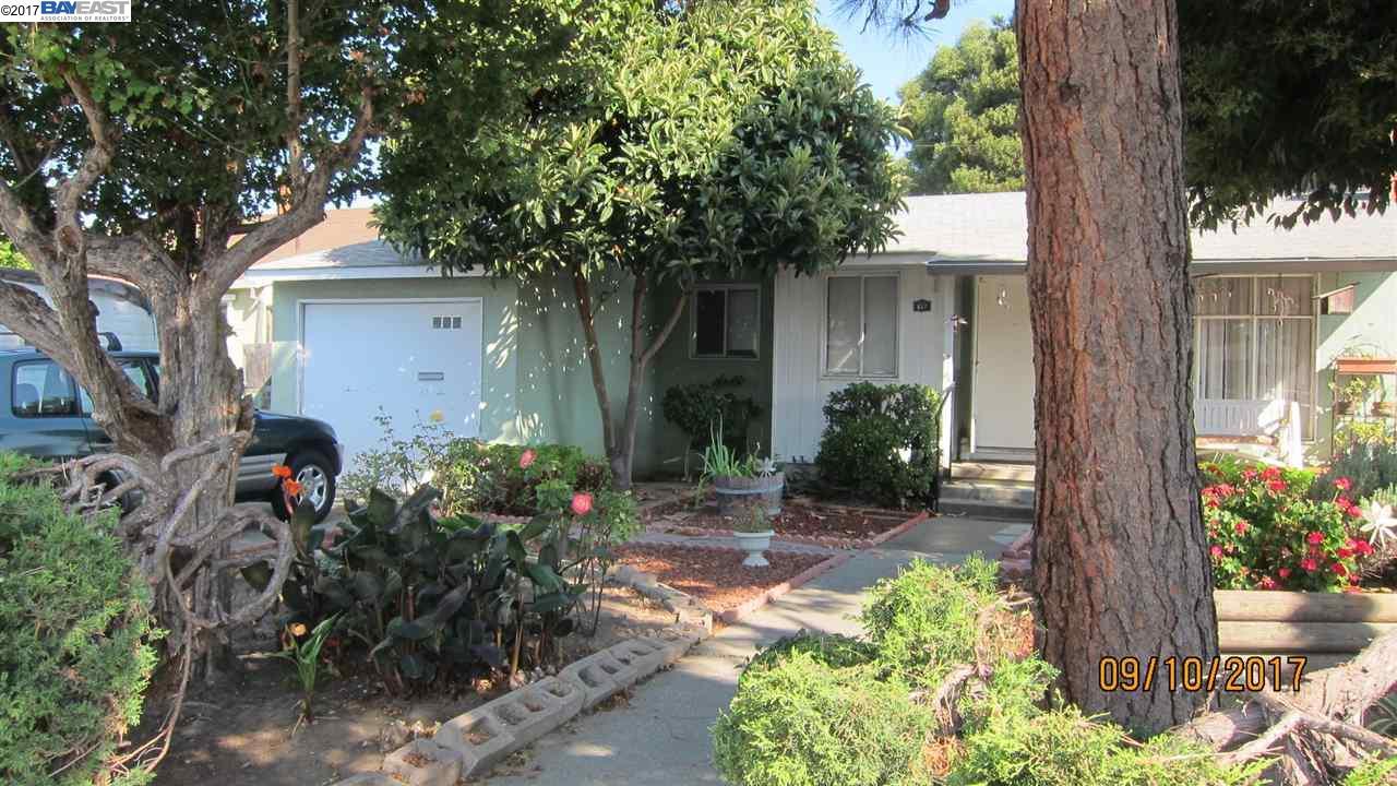 Single Family Home for Sale at 637 Empire Street 637 Empire Street San Lorenzo, California 94580 United States