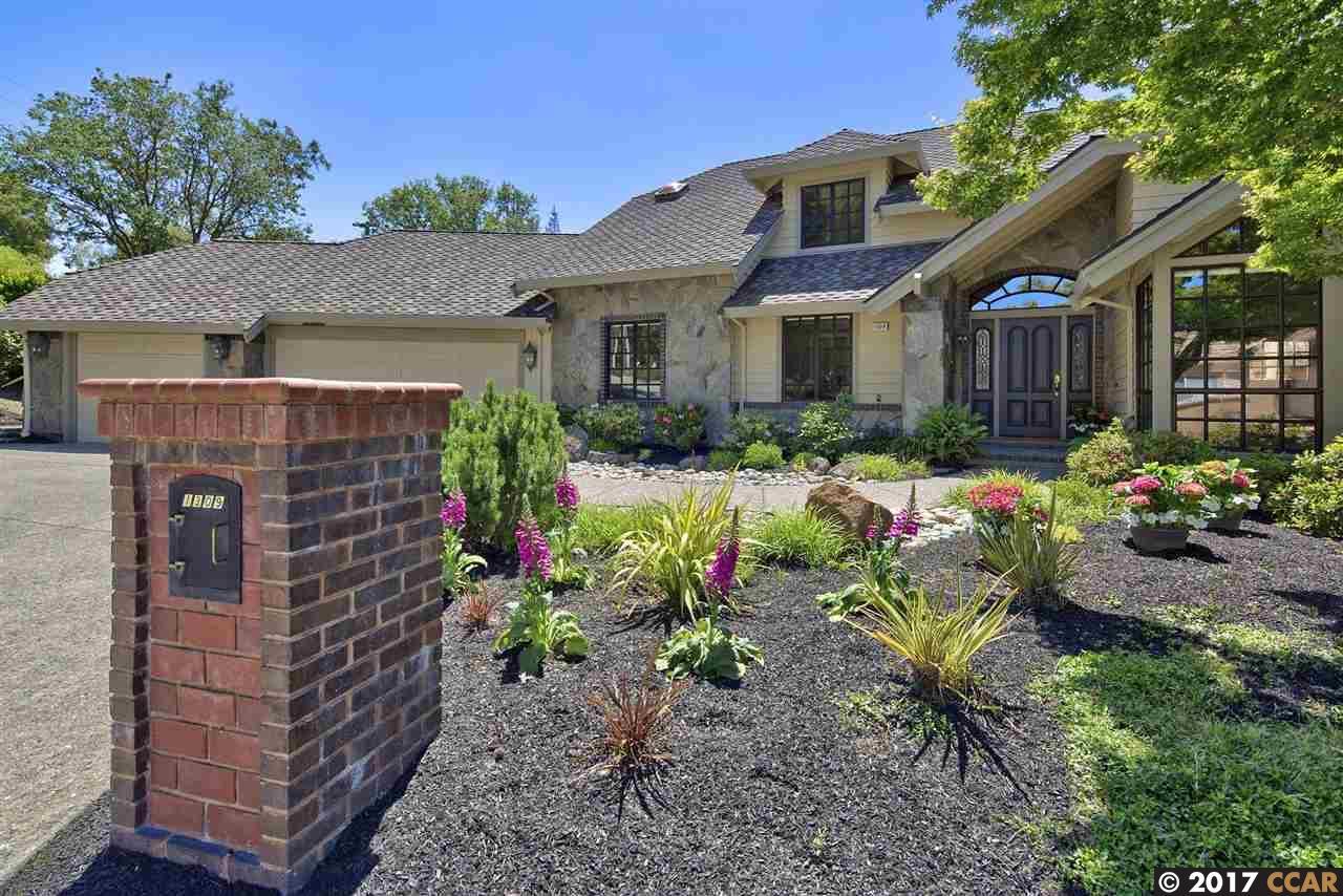 واحد منزل الأسرة للـ Sale في 1309 Laverock Lane Alamo, California 94507 United States