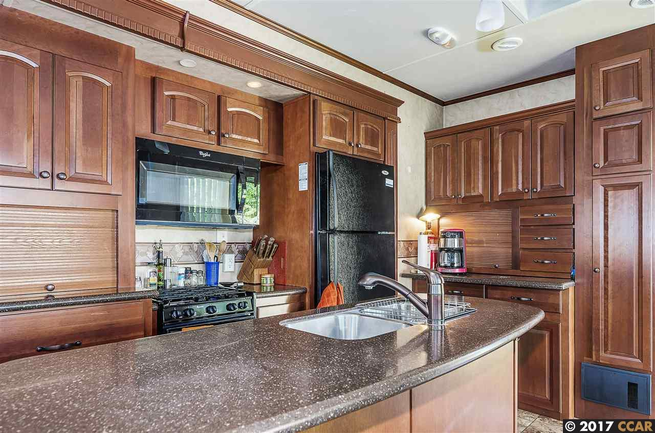 Additional photo for property listing at 5164 Sandmound Blvd 5164 Sandmound Blvd Oakley, Калифорния 94561 Соединенные Штаты