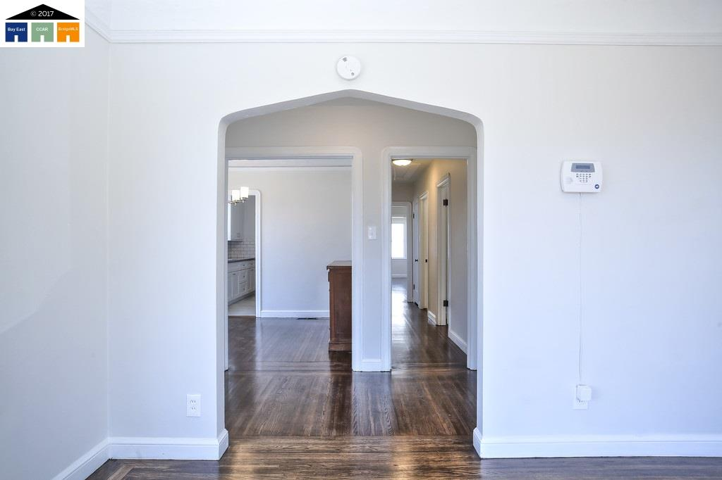 Additional photo for property listing at 2901 76Th Avenue 2901 76Th Avenue Oakland, California 94605 United States