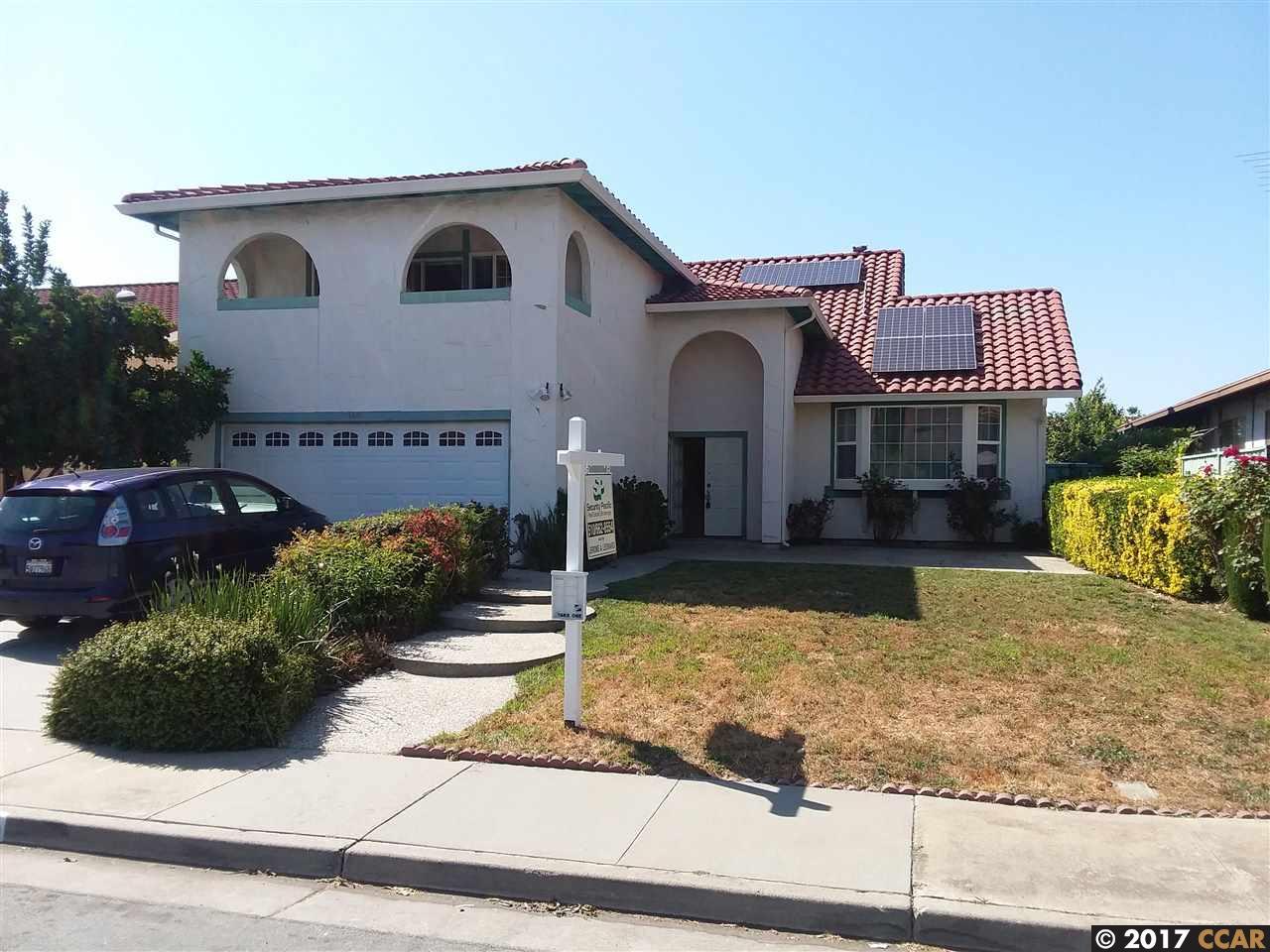 獨棟家庭住宅 為 出售 在 2677 Middleborough Circle San Jose, 加利福尼亞州 95132 美國