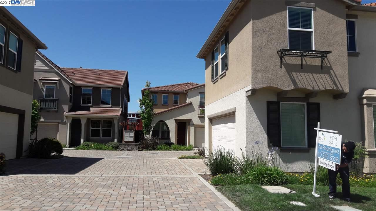 Additional photo for property listing at 3700 Pieta Court  Antioch, Californie 94509 États-Unis