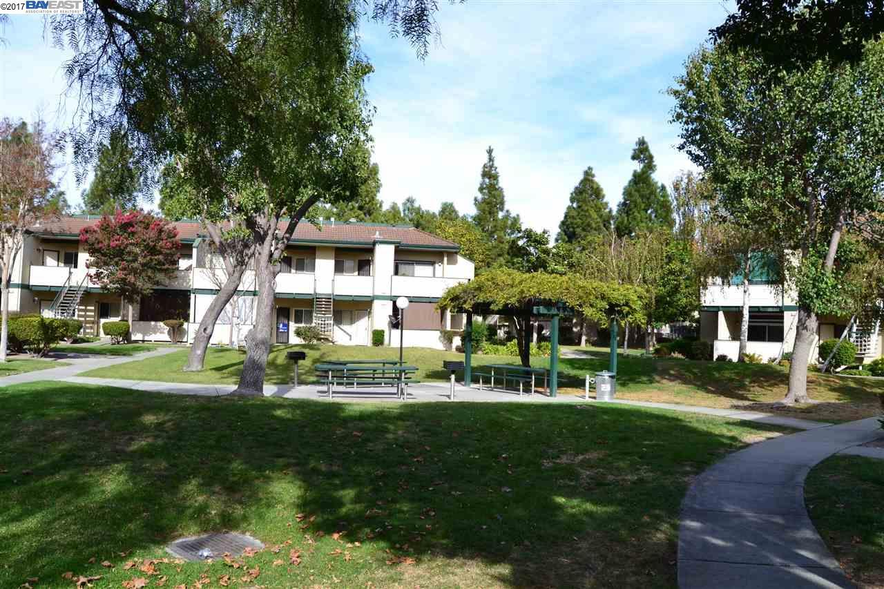 Кондоминиум для того Продажа на 3049 RISDON Drive 3049 RISDON Drive Union City, Калифорния 94587 Соединенные Штаты