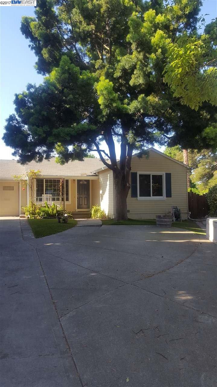 Additional photo for property listing at 2655 Watson Street  Castro Valley, Kalifornien 94546 Vereinigte Staaten