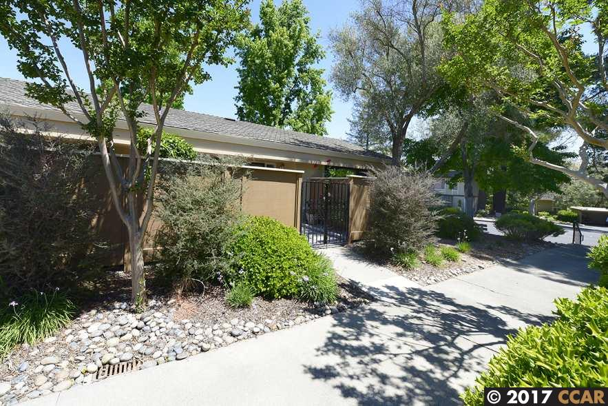 Additional photo for property listing at 2101 Tice Creek  Walnut Creek, カリフォルニア 94595 アメリカ合衆国
