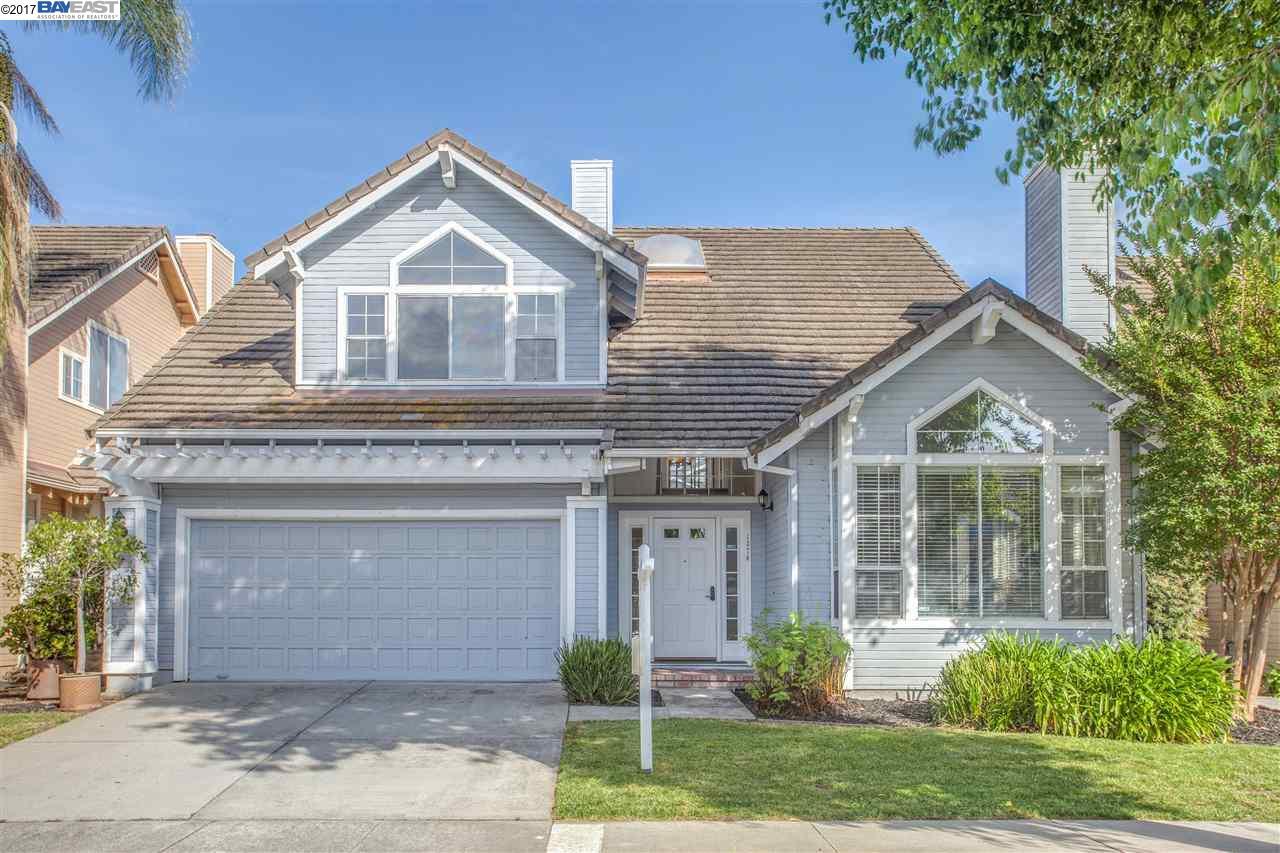 獨棟家庭住宅 為 出售 在 1376 Tanaka Drive San Jose, 加利福尼亞州 95131 美國