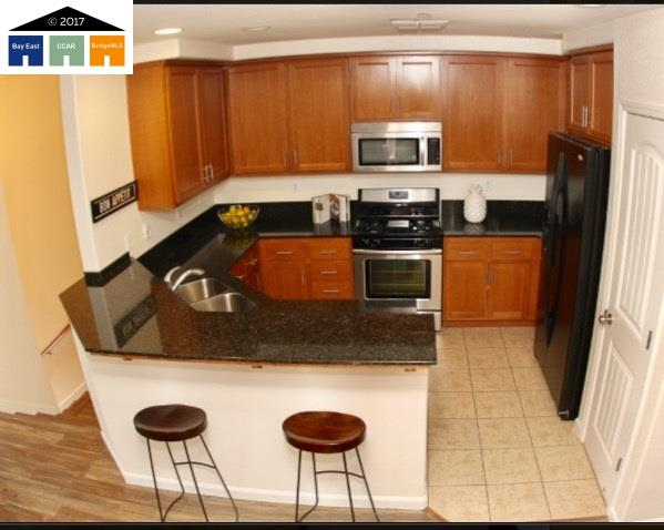 Additional photo for property listing at 6272 Rocky Point Court  Oakland, カリフォルニア 94605 アメリカ合衆国