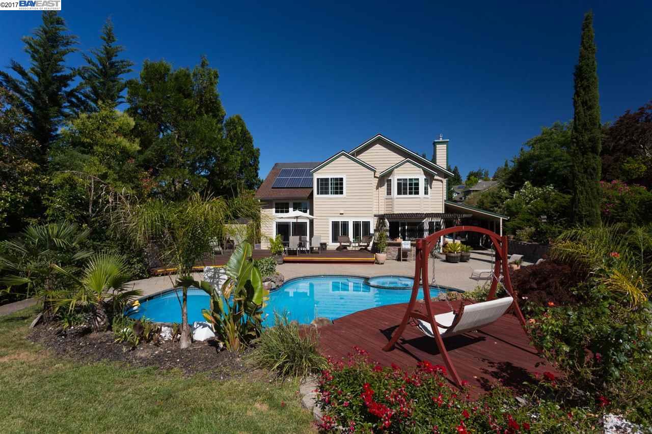 Single Family Home for Sale at 2717 Appaloosa Trail Pinole, California 94564 United States