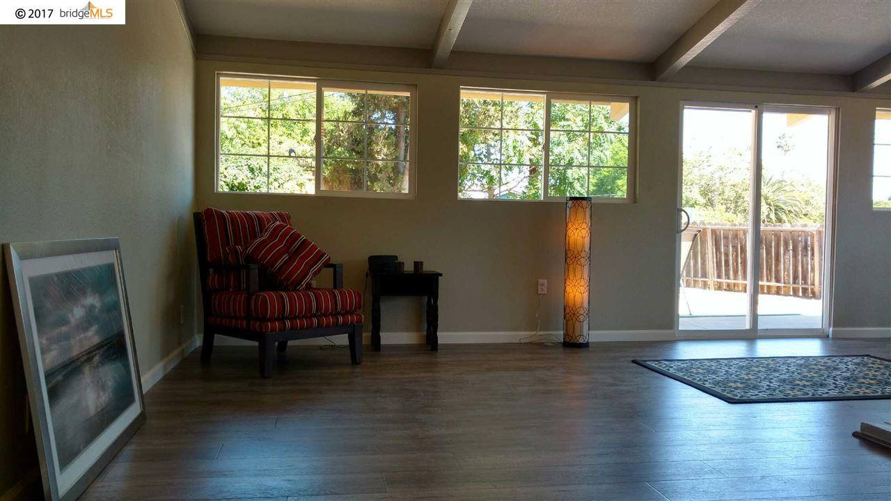 Additional photo for property listing at 1745 Toyon Drive  Concord, California 94520 United States
