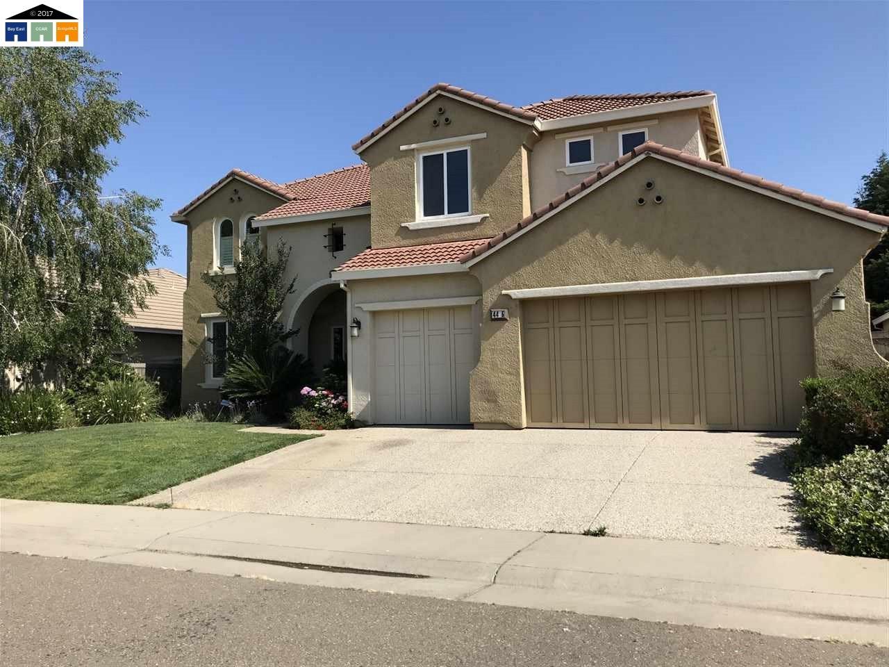 واحد منزل الأسرة للـ Sale في 4425 SOPHISTRY DRIVE 4425 SOPHISTRY DRIVE Rancho Cordova, California 95742 United States