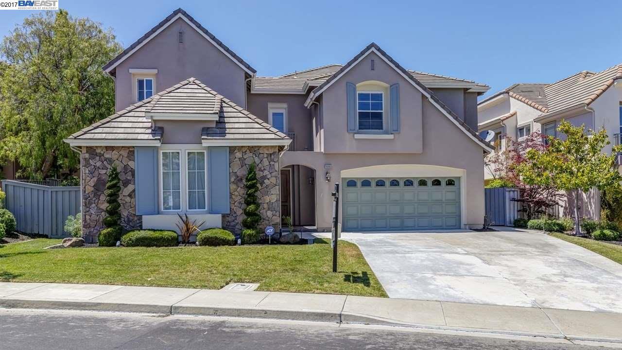 Частный односемейный дом для того Продажа на 10860 Inspiration Circle Dublin, Калифорния 94568 Соединенные Штаты