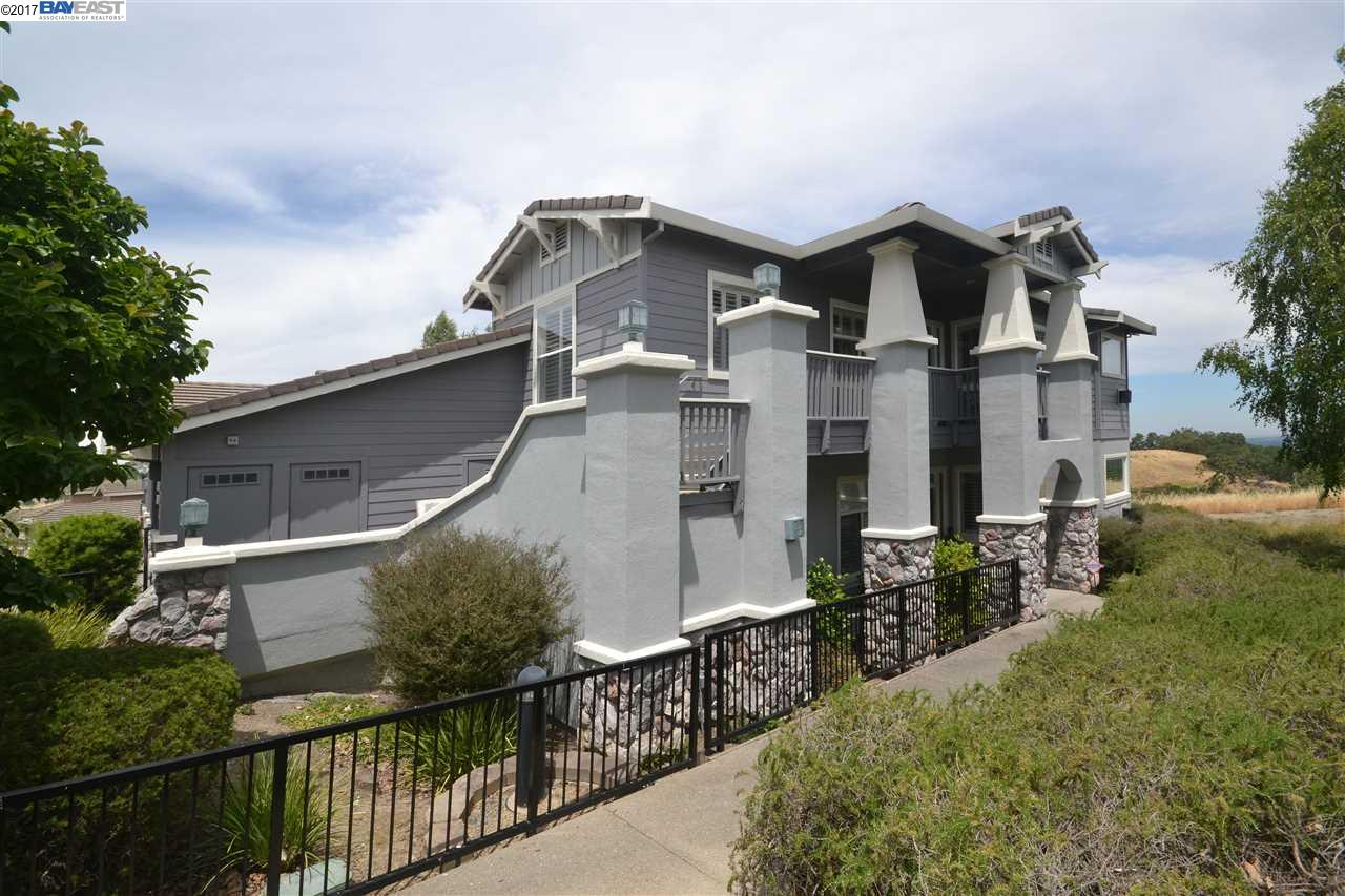 Condominio por un Venta en 2818 Saklan Indian Walnut Creek, California 94595 Estados Unidos