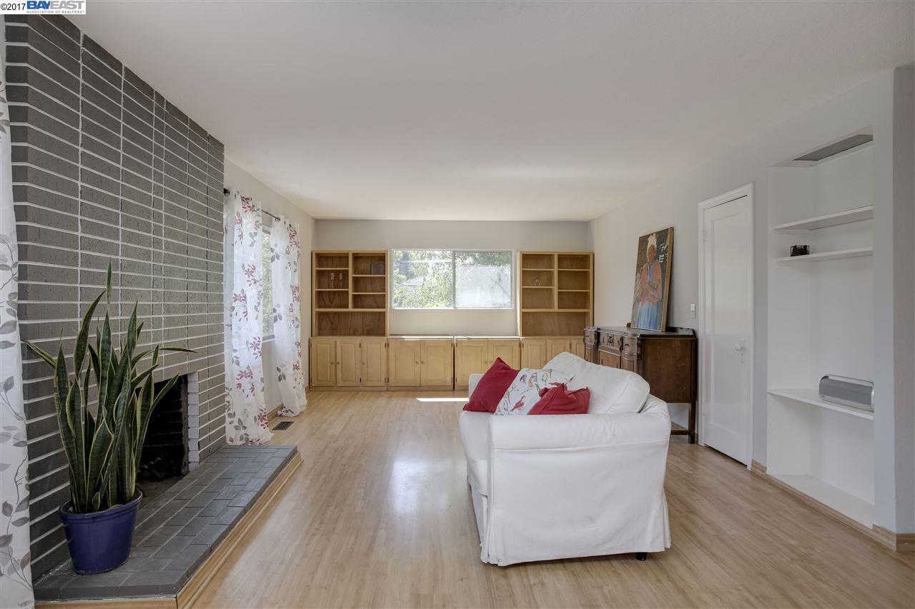 Additional photo for property listing at 1950 E Street  Hayward, カリフォルニア 94541 アメリカ合衆国
