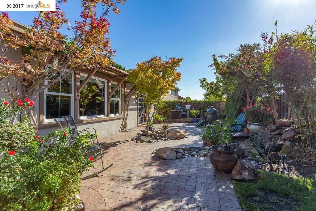 Additional photo for property listing at 5625 Banteer Way  Antioch, Californie 94531 États-Unis
