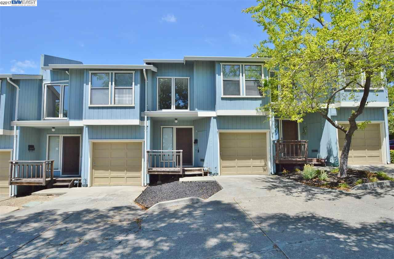 Additional photo for property listing at 19214 Center Street  Castro Valley, California 94546 Estados Unidos