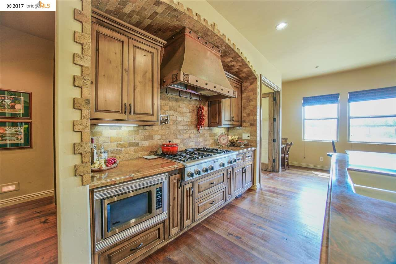 Additional photo for property listing at 795 Eden Plains Road  Brentwood, California 94513 United States