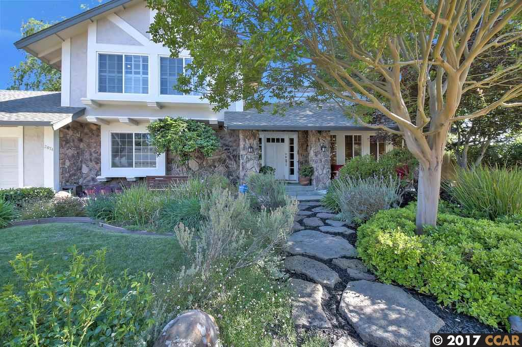 واحد منزل الأسرة للـ Sale في 2674 Bridle Lane Walnut Creek, California 94596 United States