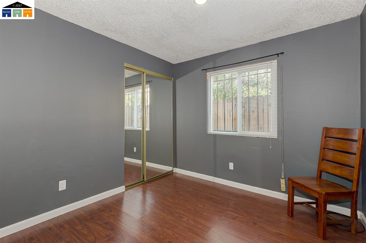 Additional photo for property listing at 6630 Macarthur Boulevard 6630 Macarthur Boulevard Oakland, Калифорния 94605 Соединенные Штаты